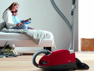 Насадки для очистки текстиля и мягкой мебели у пылесосов Miele