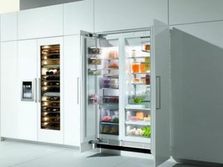 Система переставляемых по высоте полочек VarioBord в холодильниках Miele