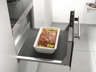 Точная электронная регулировка температуры в шкафах для подогрева посуды Miele